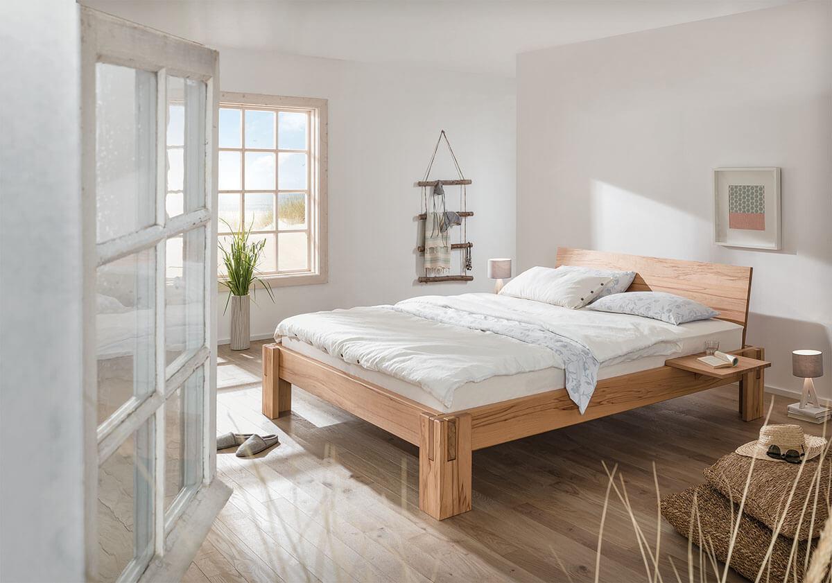dormiente-Nuveo-Maxi-Massivholzbett-durchgehende-Rueckenlehne