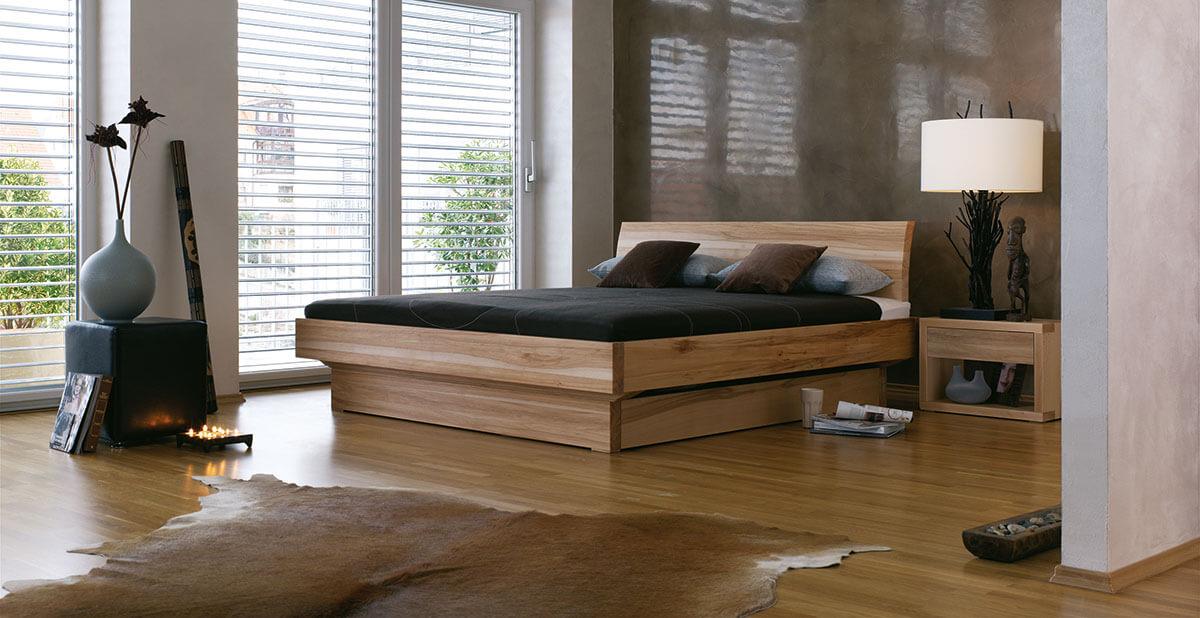 dormiente-Morell-Nachtkonsole-und-Bett-Ambiente