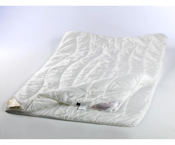 stendebach vierjahreszeiten decke rose satin premium bettwaren buslaps matratzen. Black Bedroom Furniture Sets. Home Design Ideas